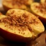 Pieczone jabłka z miodem i orzechami 3