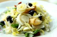 Sałatka z cykorii i sera camembert 1 MAIN