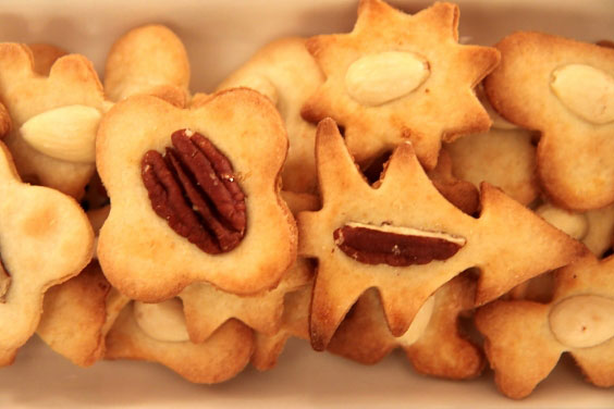 Kruche ciasteczka maślane z orzechami 3