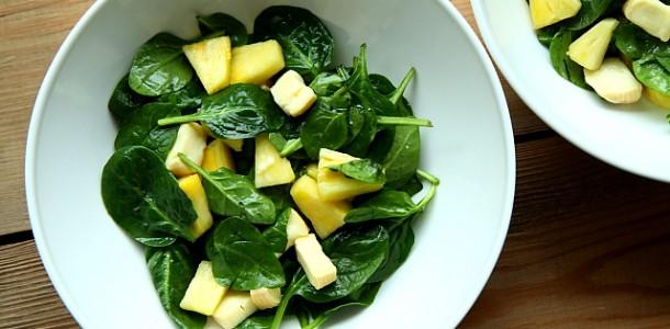 Salatka Ze Swiezego Szpinaku Sera I Ananasa Z Dressingiem Miodowo