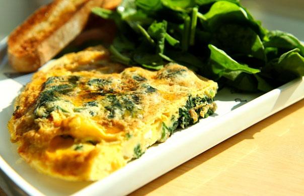 Frittata ze szpinakiem (szybkie śniadanie w wersji de luxe) 1 MAIN