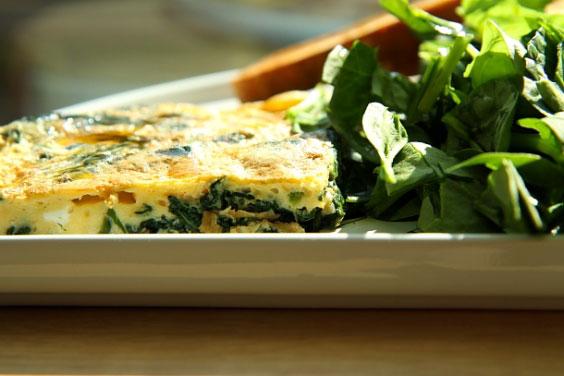 Frittata ze szpinakiem (szybkie śniadanie w wersji de luxe) 4
