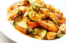 Tajska sałatka z krewetkami low01