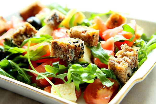 Salatka z chlebem L_03