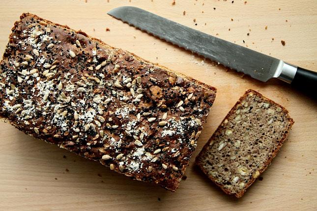 Chleb z czarnuszką L_10