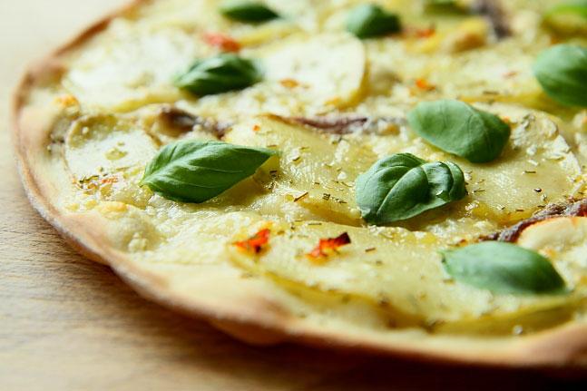 Pizza z ziemniakami L_07