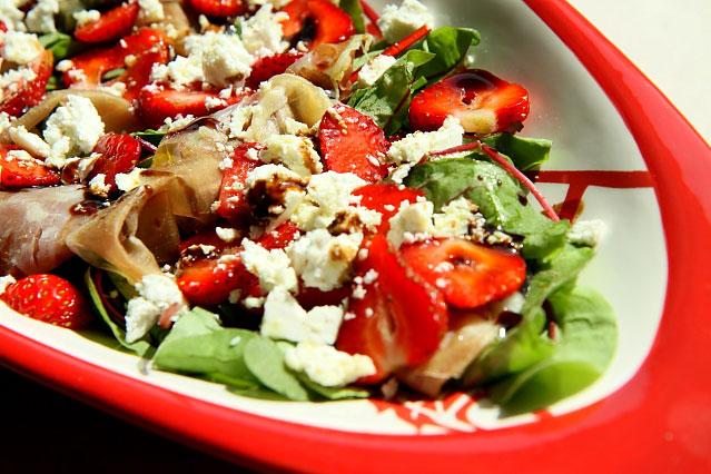 Salatka z truskawkami L_18