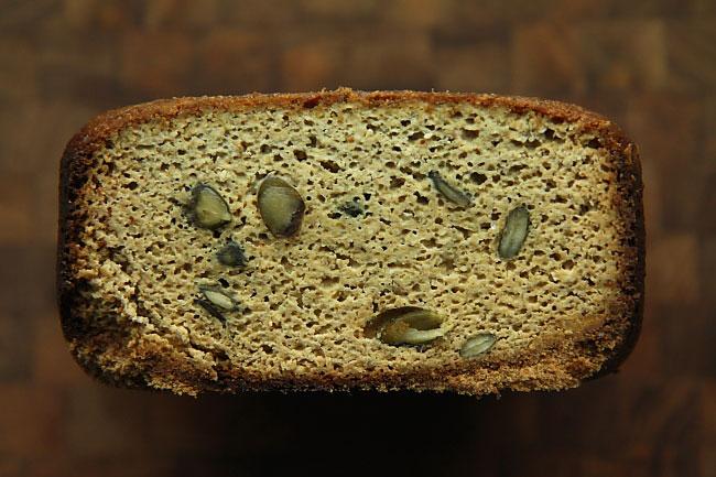 Chleb dyniowy L_04