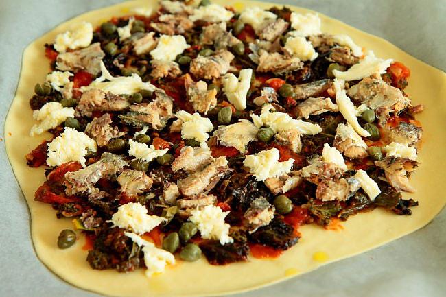 Pizza z sardynkami L_01