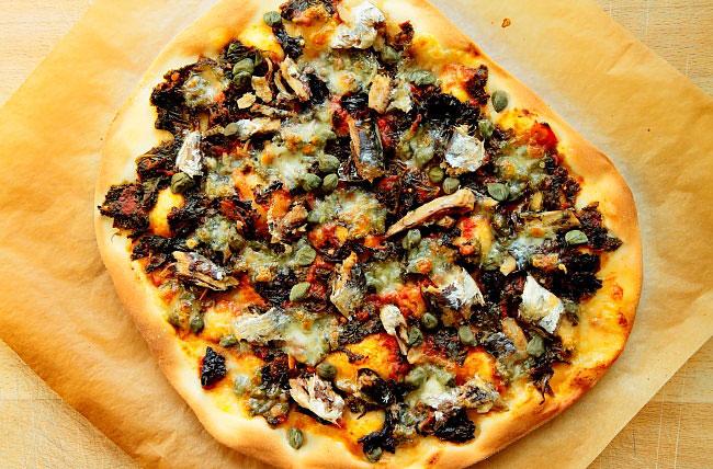 Pizza z sardynkami L_08