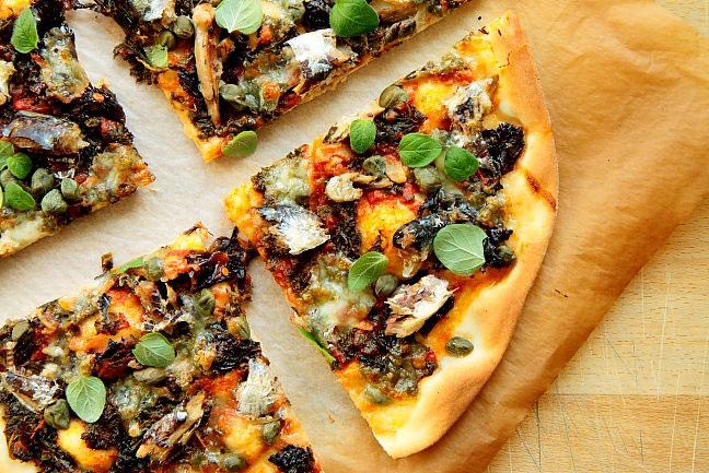 Pizza z sardynkami L_14