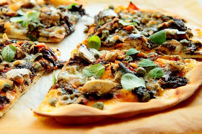 Pizza z sardynkami L_15