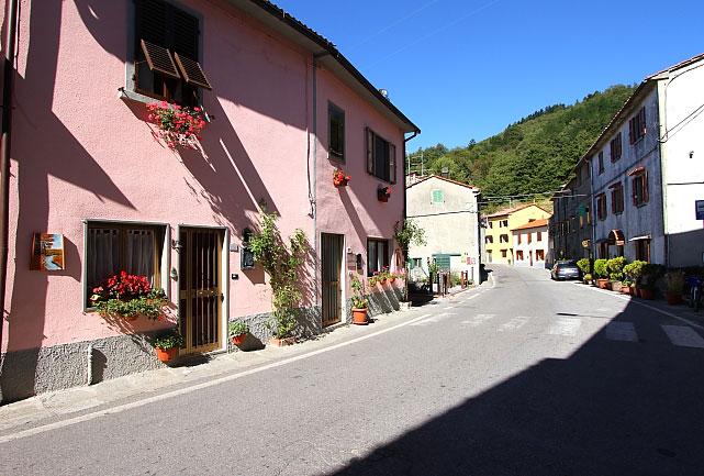 CasaMarconi i okolice L_06