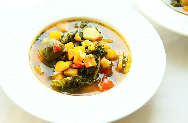 Zupa z korzeniowych L_01