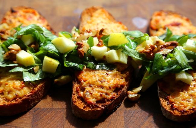 Tosty z serem i salatka L_07