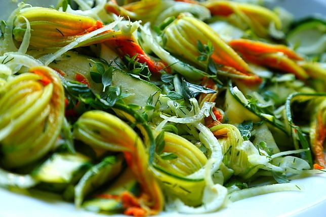 Salatka kwiaty cukinii L_004