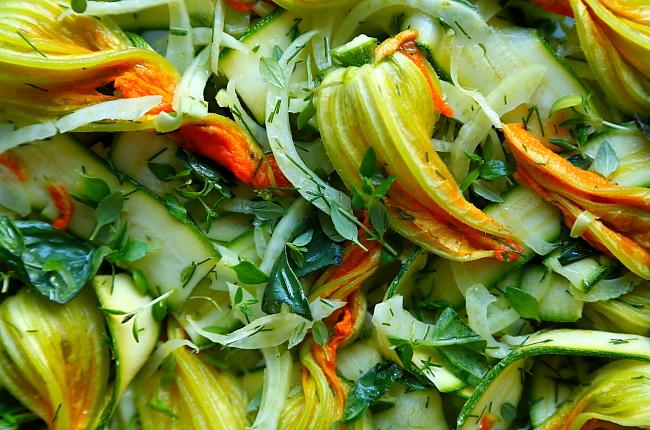 Salatka kwiaty cukinii L_005