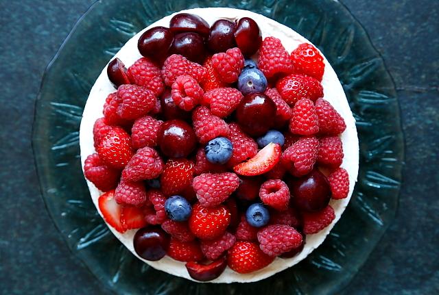 Sernik z owocami L_11