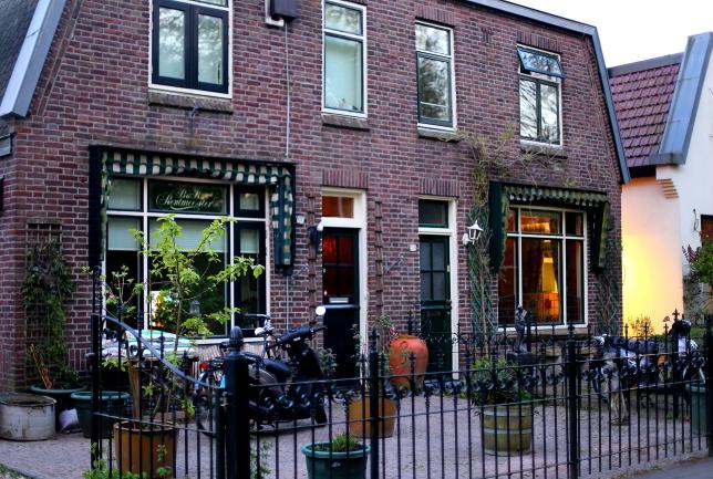Amsterdam L_214