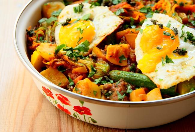 Duszone warzywa z jajem sadz L_01