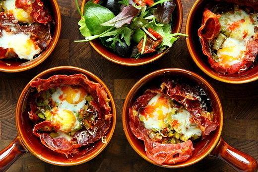 zapiekane jajka z szynka