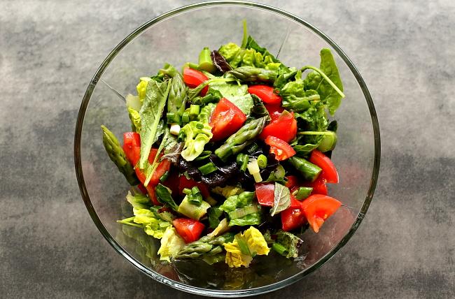 Prosta salatka ze szparagami L_02