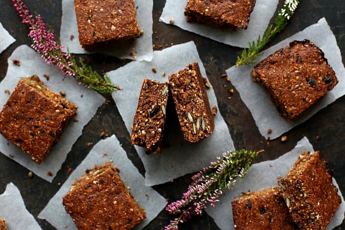 10 zdrowych deserów z daktyli - wegańskich, bezglutenowych, bez cukru