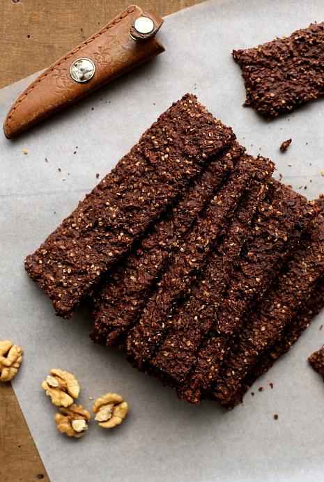 Chrupkie pieczywo kakaowe L_05