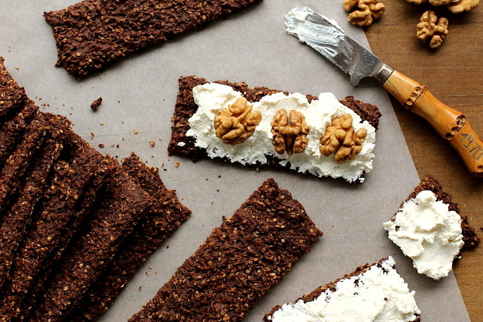 Chrupkie pieczywo kakaowe L_10