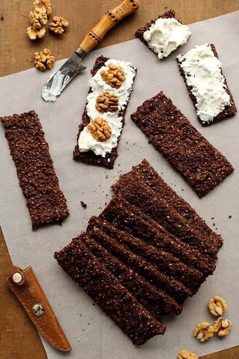 Chrupkie pieczywo kakaowe L_11