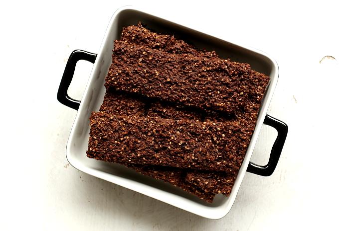 Chrupkie pieczywo kakaowe L_15