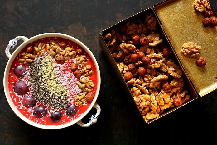 Smoothie bowl truskawki L_04