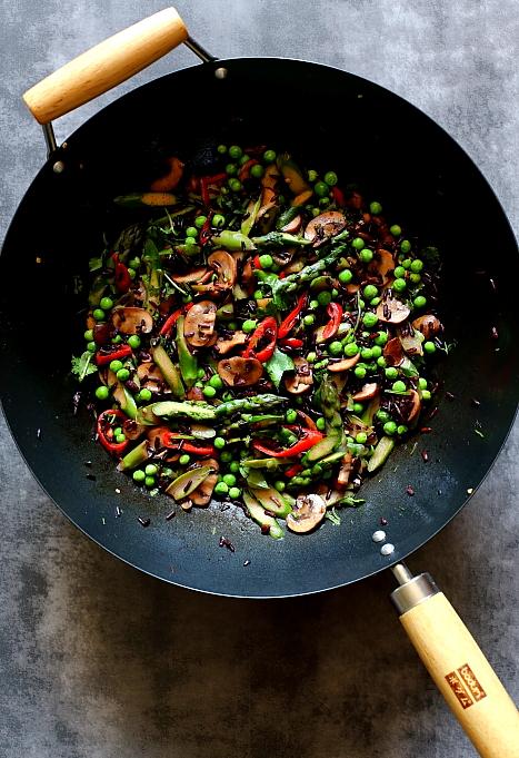Stir-fry ze szparagami