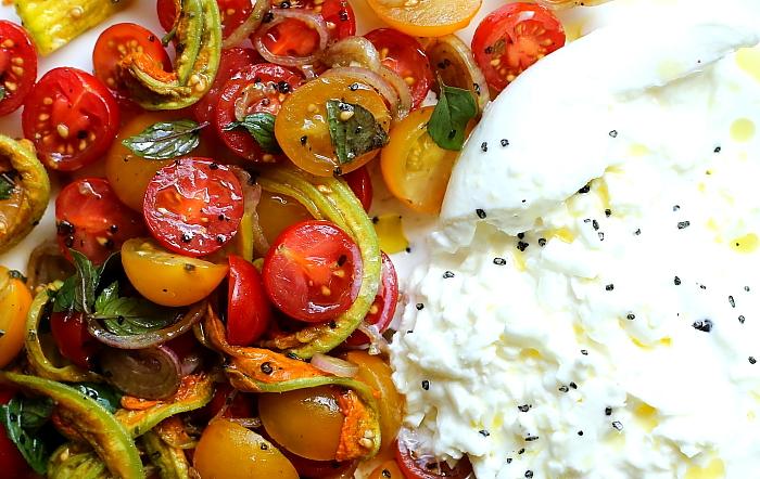 Burrata z pomidorami L_09