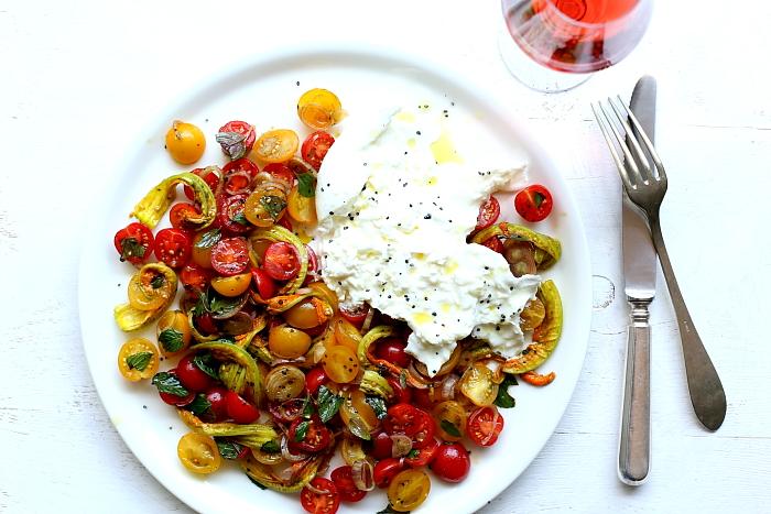 Burrata z pomidorami L_11