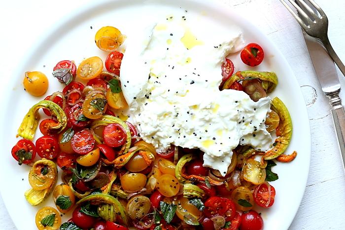 Burrata z pomidorami L_12