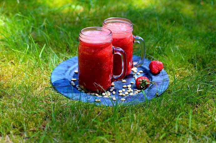 Koktajl truskawkowy z kawa L_05