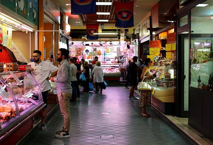 Cagliari market L_06