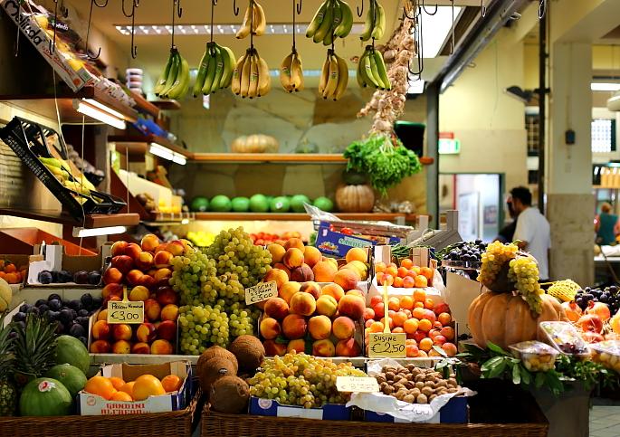 Cagliari market L_09