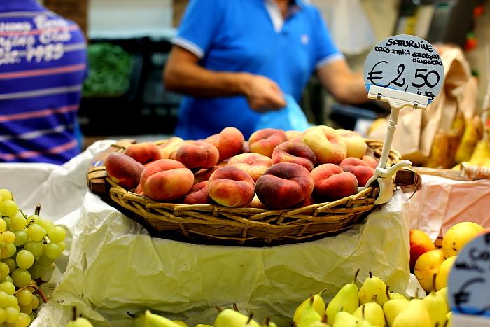 Cagliari market L_11
