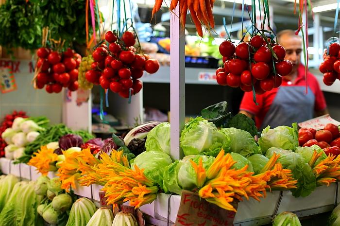Cagliari market L_18