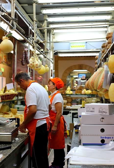 Cagliari market L_23