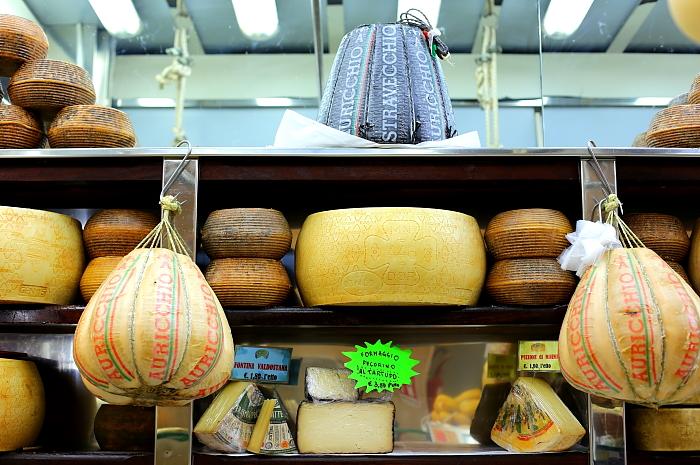 Cagliari market L_27