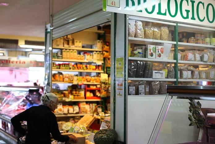 Cagliari market L_36