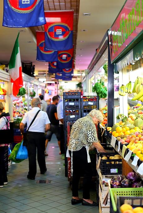 Cagliari market L_55