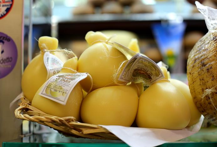 Cagliari market L_68
