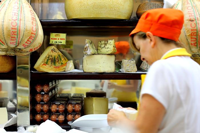 Cagliari market L_71