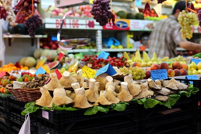Cagliari market L_76
