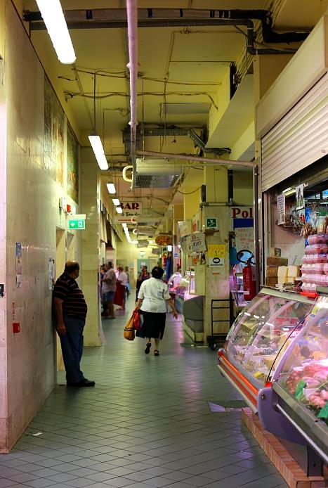 Cagliari market L_77