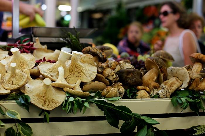 Cagliari market L_79